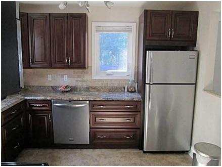 2014003-brown kitchen