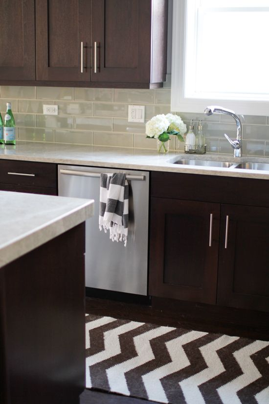 2014003-dark cabinets with white counter
